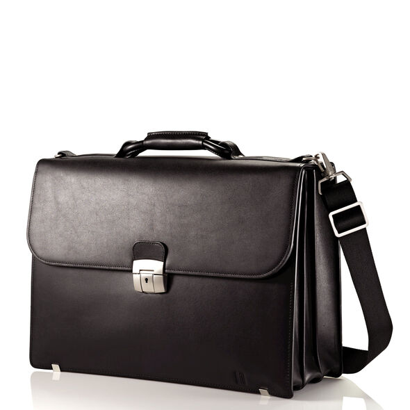 Hartmann Heritage Flap Brief in the color Black.