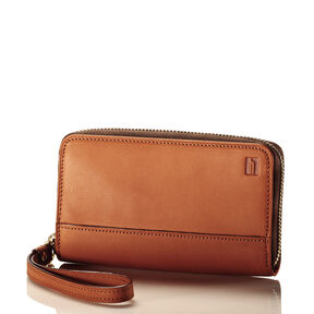 Hartmann Belting Wristlet in the color Heritage Tan.