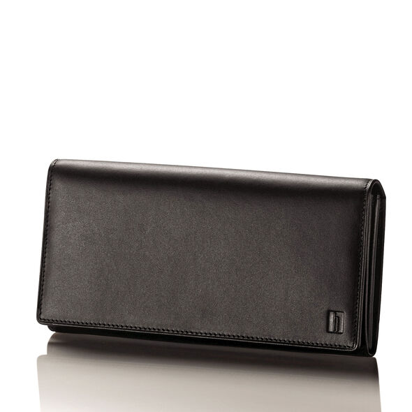 Hartmann Belting Continental Wallet in the color Heritage Black.
