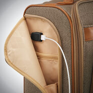 Hartmann Herringbone Deluxe Carry On Underseater Spinner in the color Terracotta Herringbone.