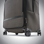 Hartmann Herringbone Deluxe Long Journey Expandable Spinner in the color Terracotta Herringbone.